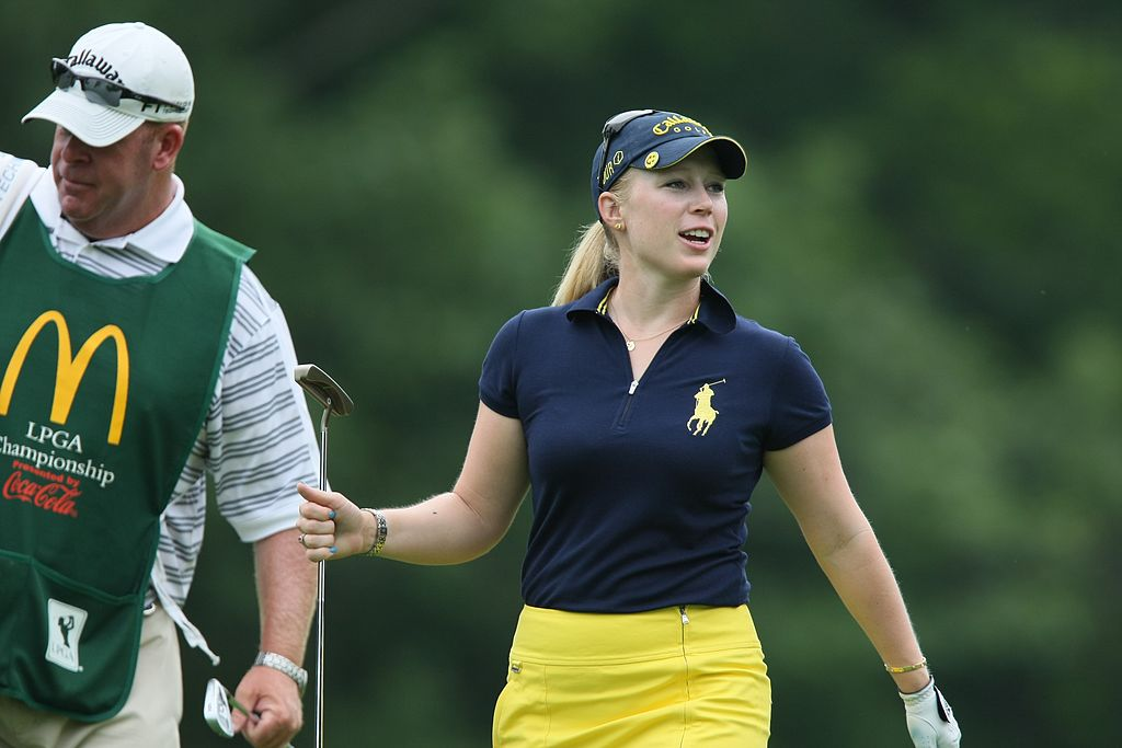 How To Caddy For An Lpga Pro Golfer