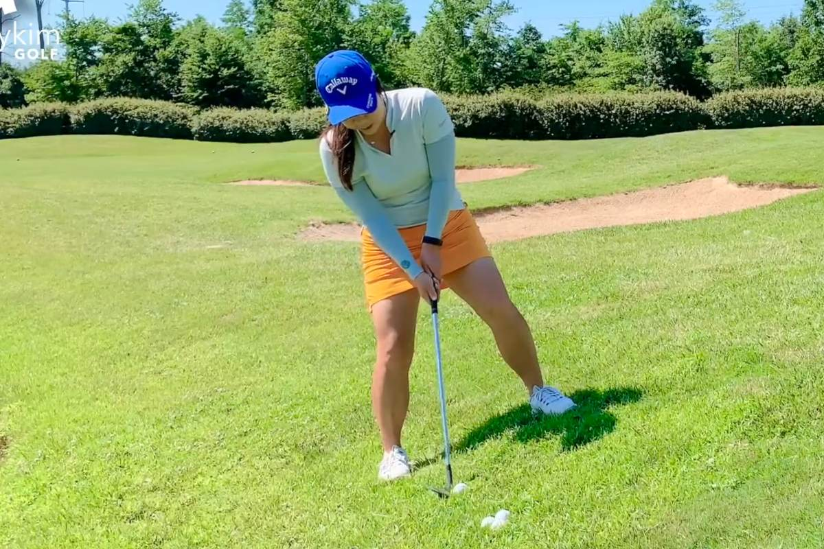 Chipping or Pitching from an Uphill Lie
